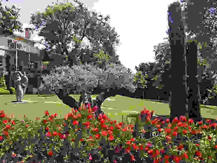 Nowoczesny ogród od Land Design Factory Nowoczesny
