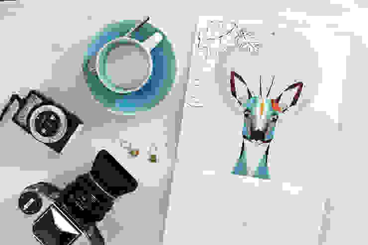 Kalender 2016 mit lustigen, geometrischen Illustrationen von homify Skandinavisch Papier