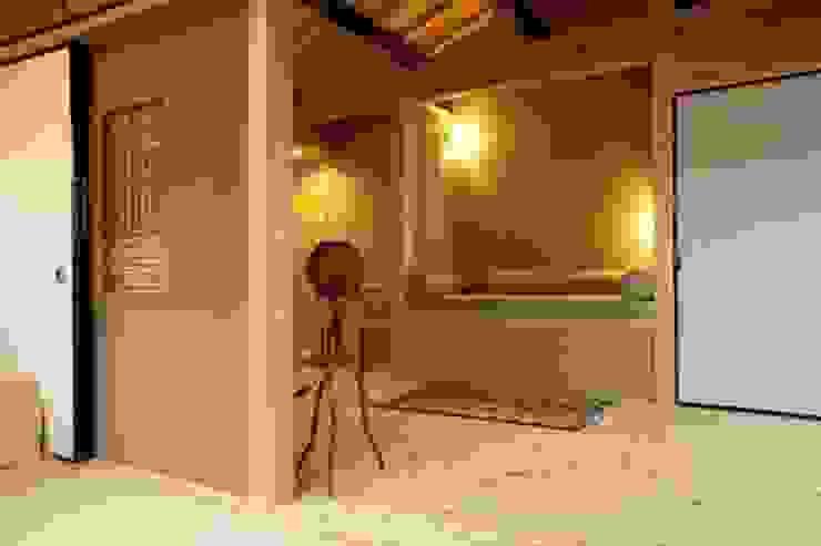 Asian style walls & floors by シィエル・ルージュ・クレアシオン(CRC) Asian