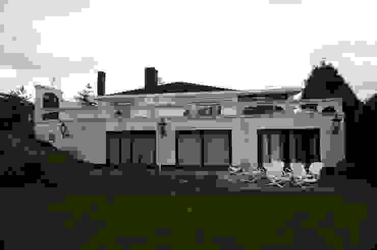 Restylen Villa te Essen: modern  door Vergouwen & Van Rijen architecten BNA BVBA, Modern