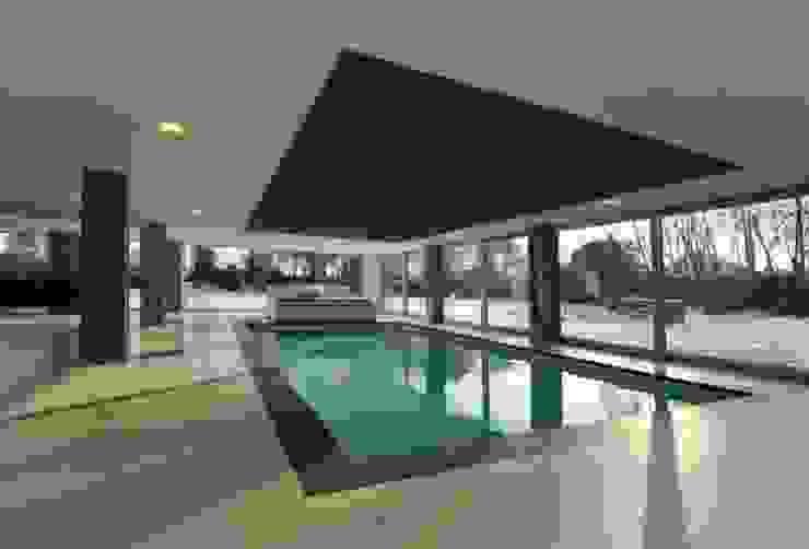 Restylen Villa te Essen Moderne zwembaden van Vergouwen & Van Rijen architecten BNA BVBA Modern