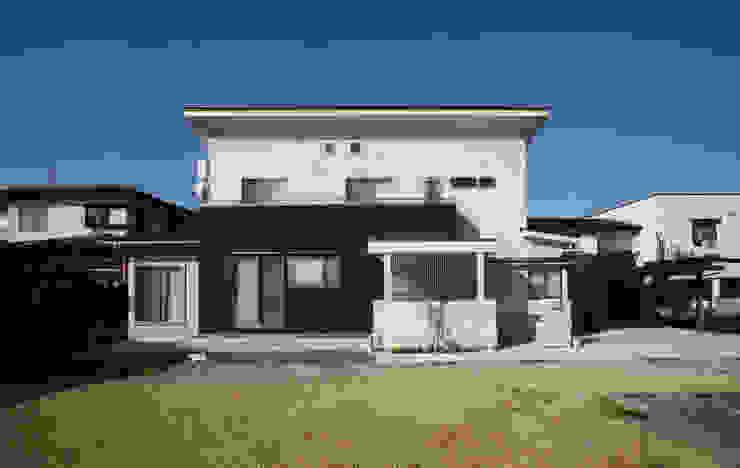Modern houses by 吉田設計+アトリエアジュール Modern
