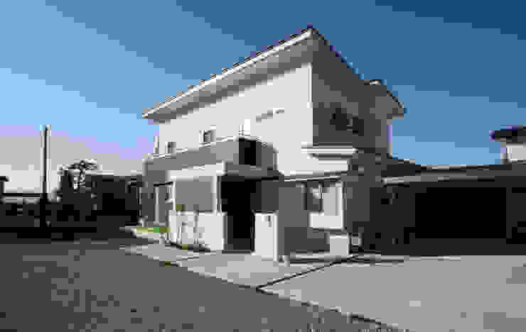 Casas de estilo  por 吉田設計+アトリエアジュール, Moderno
