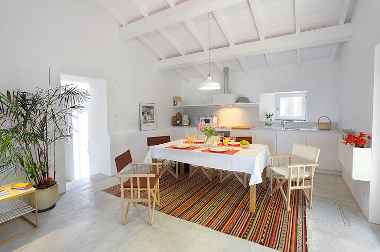 Sala de jantar Salas de jantar modernas por MANUEL CORREIA FERNANDES, ARQUITECTO E ASSOCIADOS Moderno