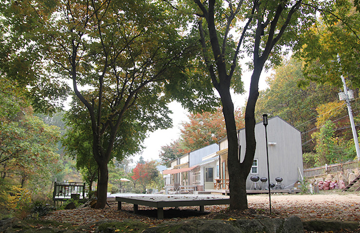 나무사이에 Scandinavian style commercial spaces