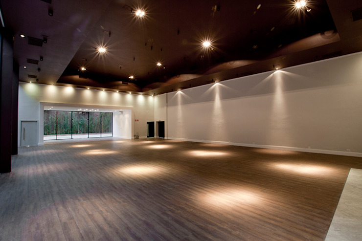 by Starq Arquitetos Associados Modern Engineered Wood Transparent