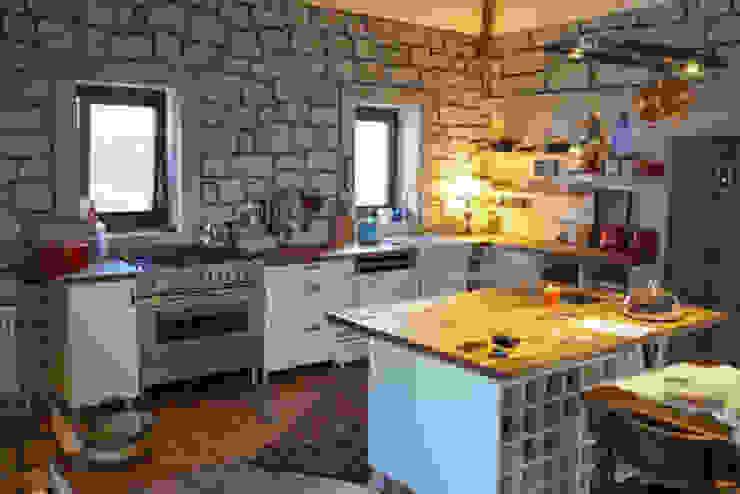 DAFNI MİMARLIK Moderne Küchen