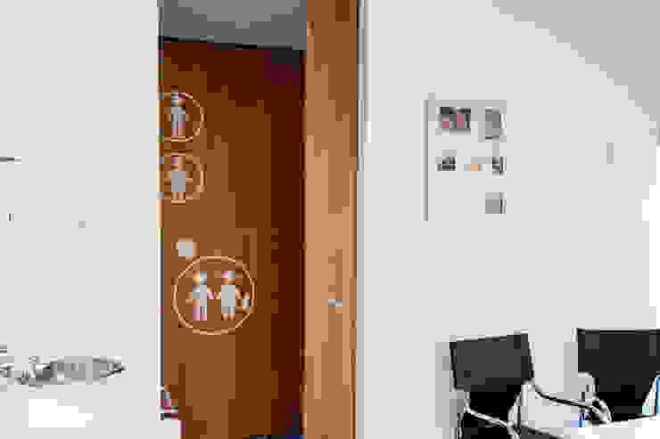 Consultório Clínicas modernas por Teresa Pinto Ribeiro | Arquitectura & Interiores Moderno