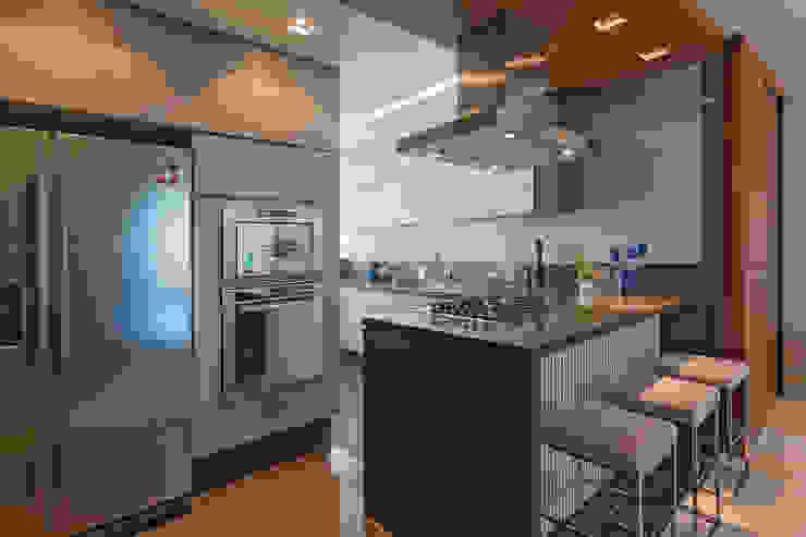 Loft Belvedere Cozinhas modernas por Dubal Arquitetura e Design Moderno