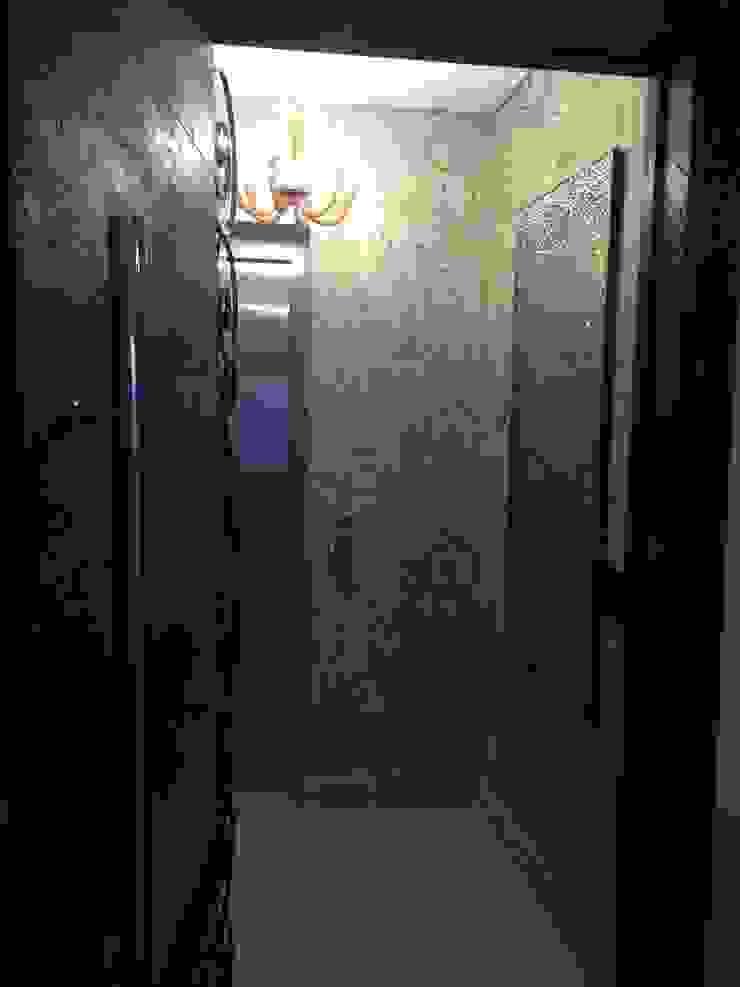 Hall Personalizado Corredores, halls e escadas modernos por Laura Picoli Moderno Madeira Efeito de madeira