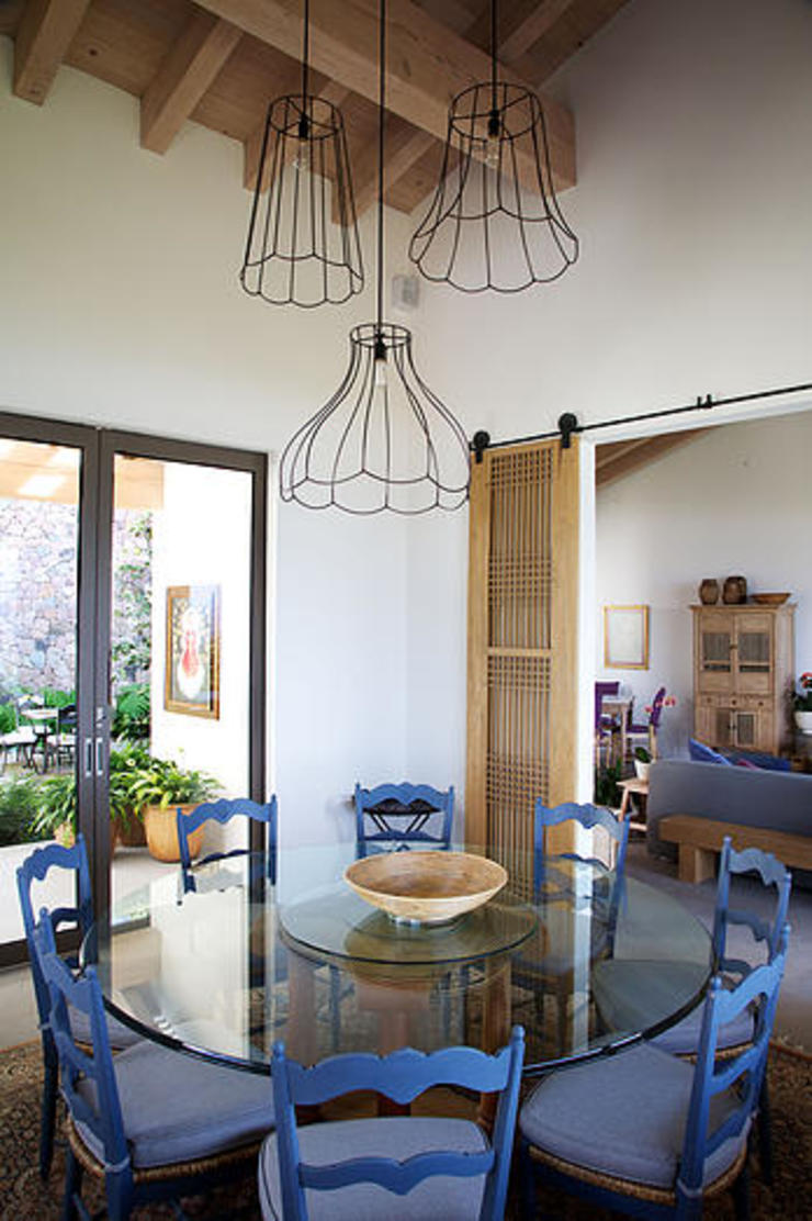 Mayúscula Arquitectos Eclectic style dining room