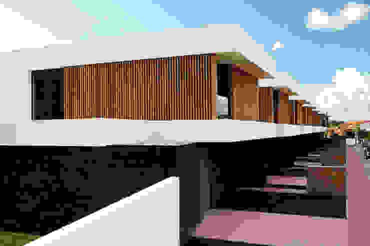 Casas de estilo  por TRAMA arquitetos