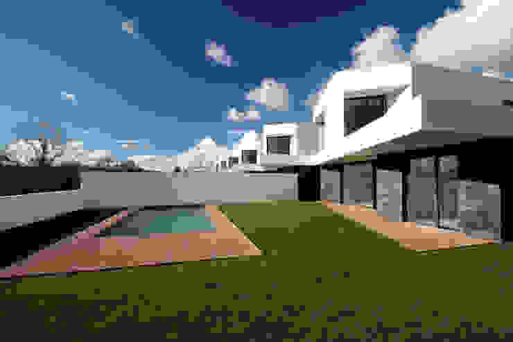 Casas modernas de TRAMA arquitetos Moderno