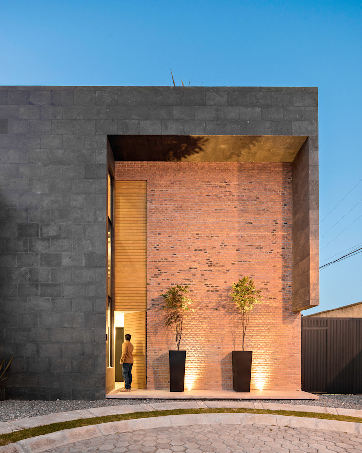 Industrial style houses by Proyecto Cafeina Industrial Stone