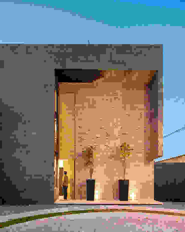 Sol 25_1 Casas industriales de Proyecto Cafeina Industrial Piedra