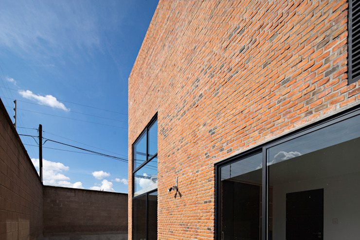 Sol 25_3 Casas industriales de Proyecto Cafeina Industrial Piedra