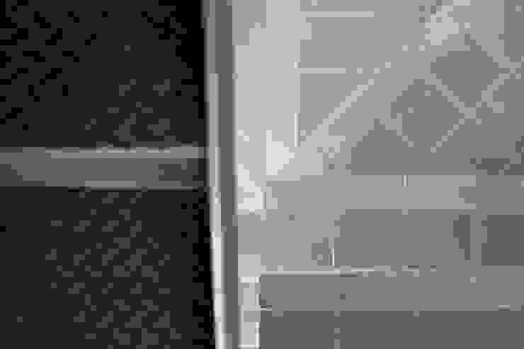 Sol 25_12 Paredes y pisos de estilo industrial de Proyecto Cafeina Industrial Cerámica