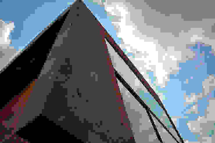 Sol 25_18 Casas industriales de Proyecto Cafeina Industrial Piedra