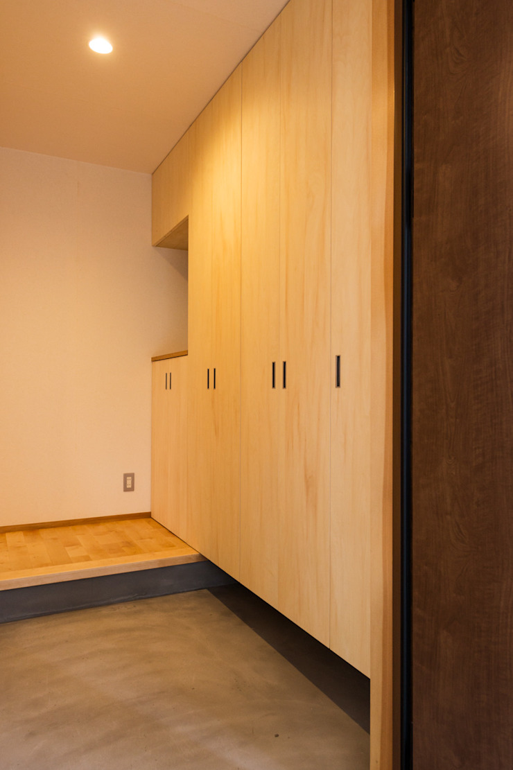 玄関収納 モダンスタイルの 玄関&廊下&階段 の 株式会社山口工務店 モダン