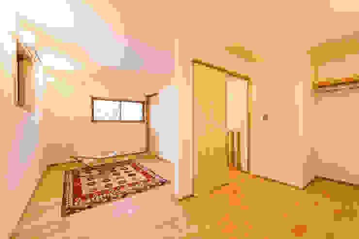 2階子供室(将来間仕切り予定) モダンデザインの 子供部屋 の 株式会社山口工務店 モダン
