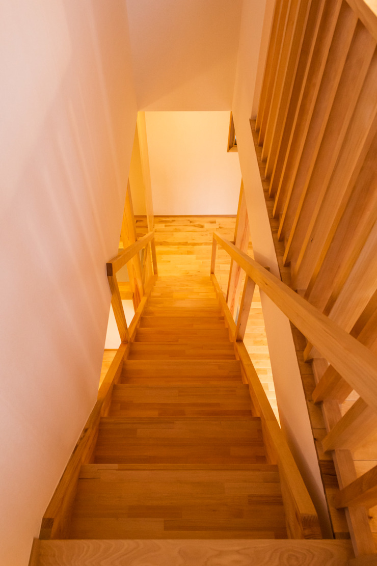 階段 モダンスタイルの 玄関&廊下&階段 の 株式会社山口工務店 モダン