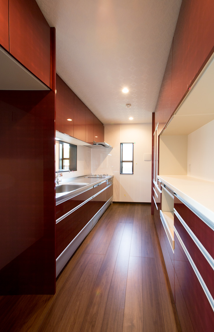 お茶屋さんの家 モダンな キッチン の 池野健建築設計室 モダン