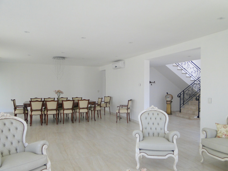 Casa en Castores – Nordelta Salones clásicos de Arquitectos Building M&CC - (Marcelo Rueda, Claudio Castiglia y Claudia Rueda) Clásico