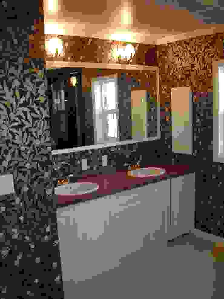 施行事例2 モダンスタイルの お風呂 の ㈱K2一級建築士事務所 モダン