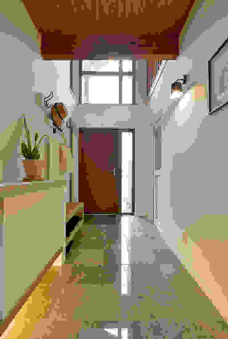 作品 モダンスタイルの 玄関&廊下&階段 の ono モダン