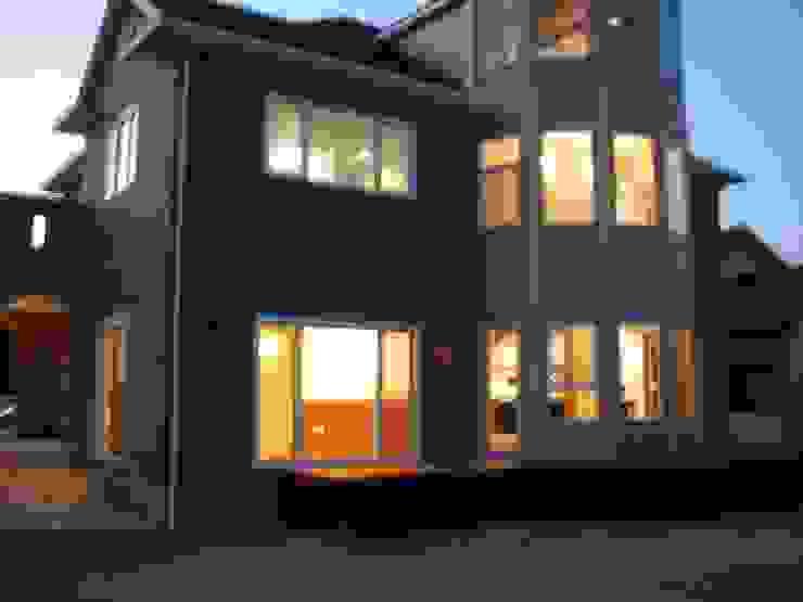 施行事例2 モダンな 家 の ㈱K2一級建築士事務所 モダン
