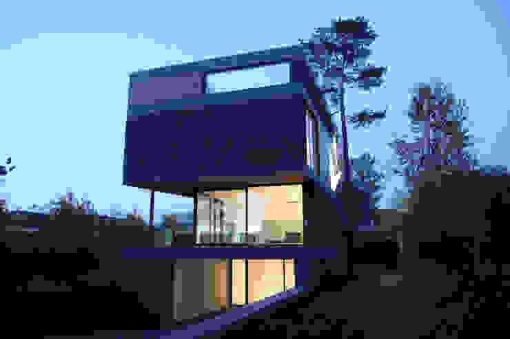 Villa van Lipzig Moderne huizen van Loxodrome design&innovation Modern Natuurlijk Beige