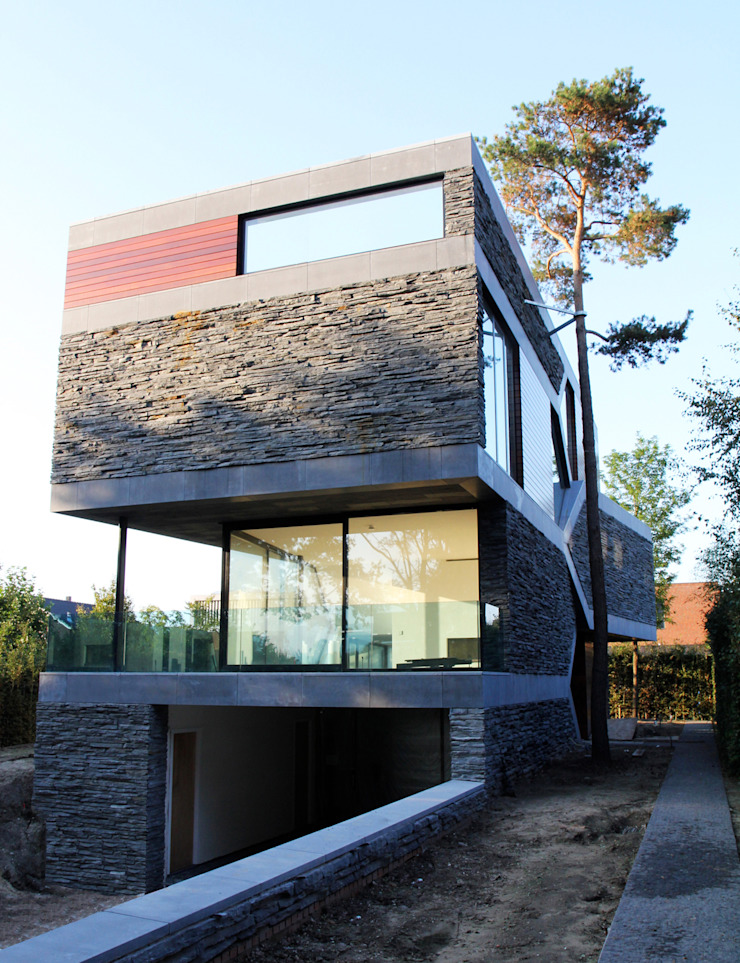Villa van Lipzig Moderne huizen van Loxodrome design&innovation Modern