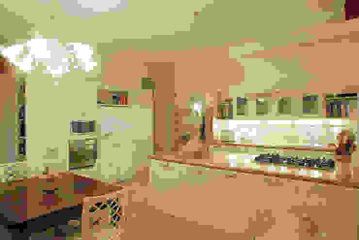 bilune studio Classic style kitchen