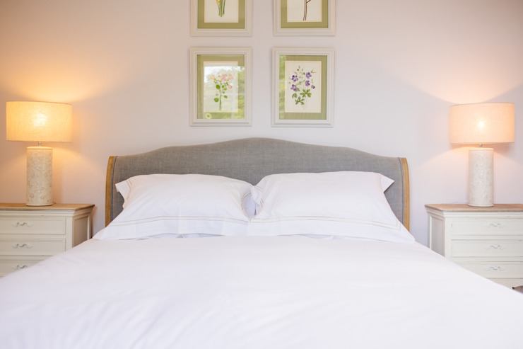The Downes Country style bedroom by Perfect Stays Country
