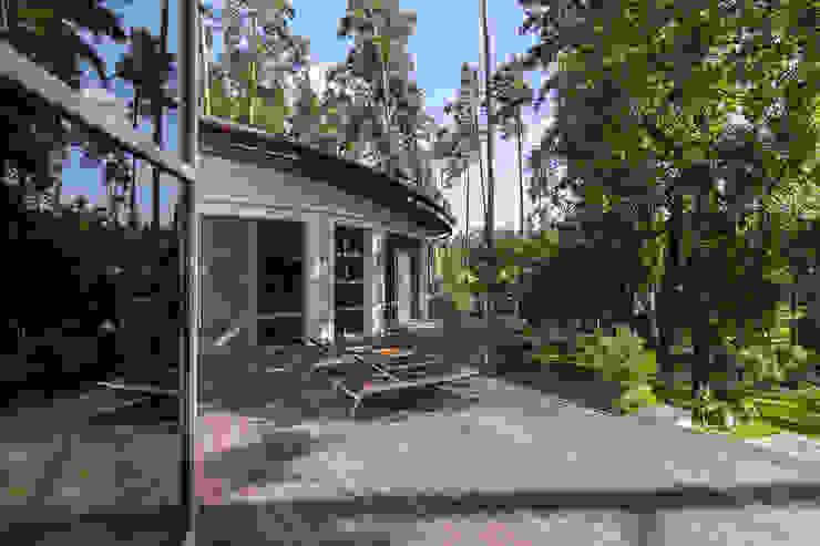 Modern houses by U-Style design studio Modern