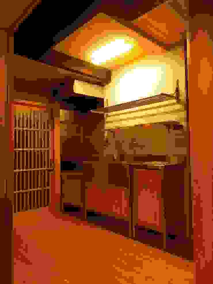Кухня в азиатском стиле от 末川協建築設計事務所 Азиатский