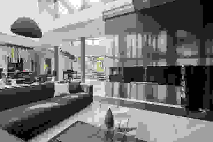 Плюты Коридор, прихожая и лестница в модерн стиле от U-Style design studio Модерн