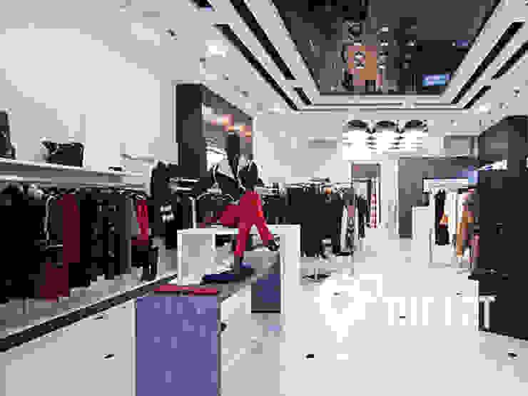 Магазин мультибрендовой одежды MUST HAVE Офисы и магазины в стиле модерн от Interior Design Studio Tut Yut Модерн