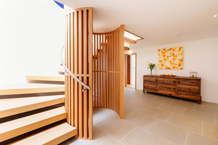 Gwel an Treth Modern corridor, hallway & stairs by Perfect Stays Modern