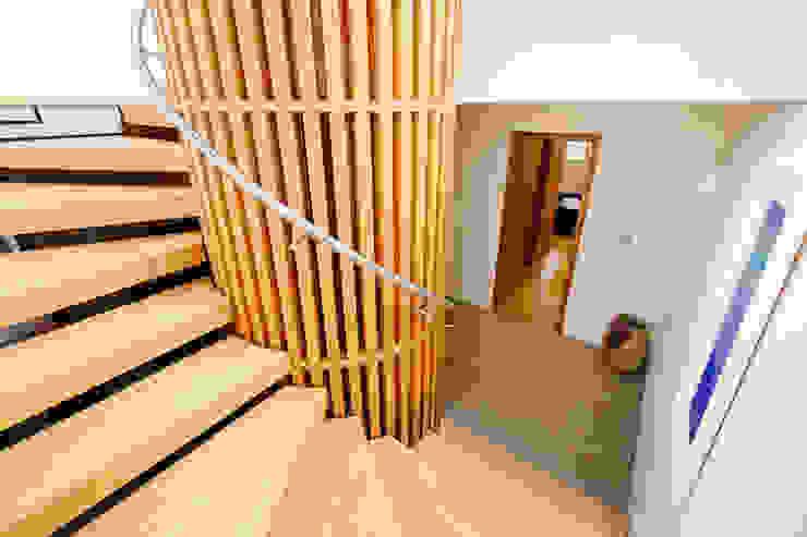 Gwel an Treth Modern Corridor, Hallway and Staircase by Perfect Stays Modern