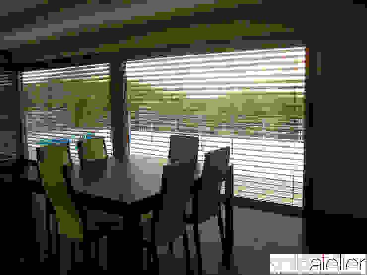 Casa TENEDÓRIO, Loivo Salas de jantar modernas por SOLE ATELIER, LDA Moderno