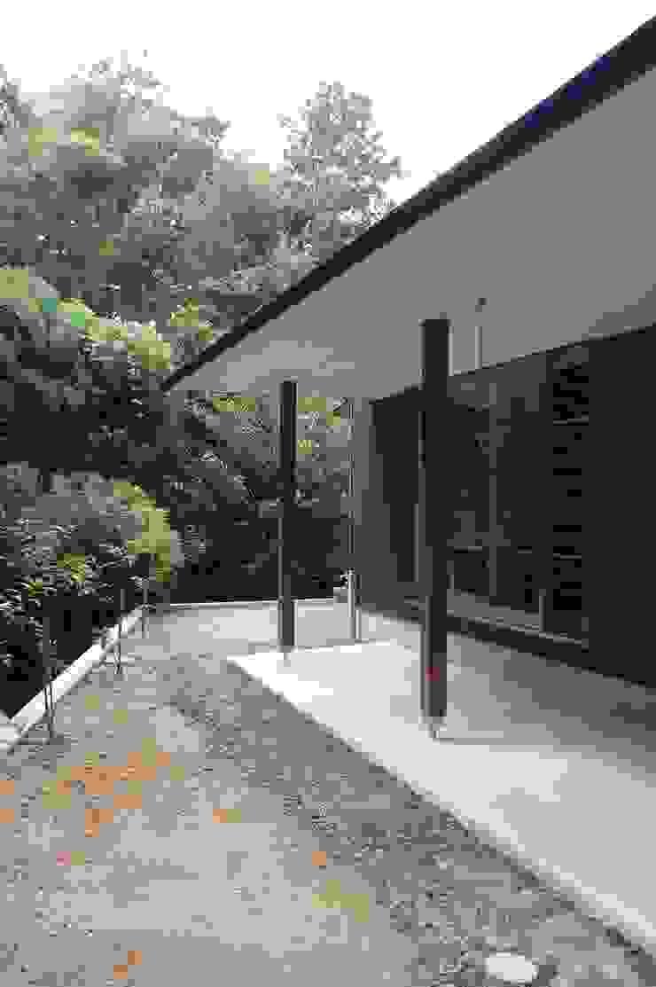 奏でるsumai モダンデザインの テラス の 一級建築士事務所アトリエ樫 モダン