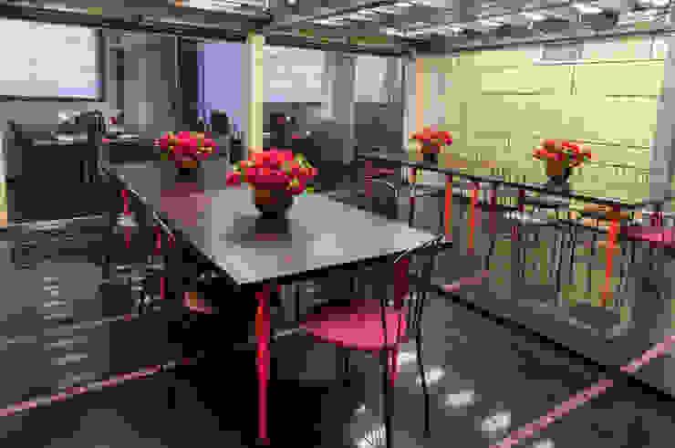 Офисно-выставочное пространство. Шоурум «ARTTEX Сoncept» и «TOSO» в Центре дизайна «Artplay» Конференц-центры в стиле модерн от Бюро Акимова и Топорова Модерн