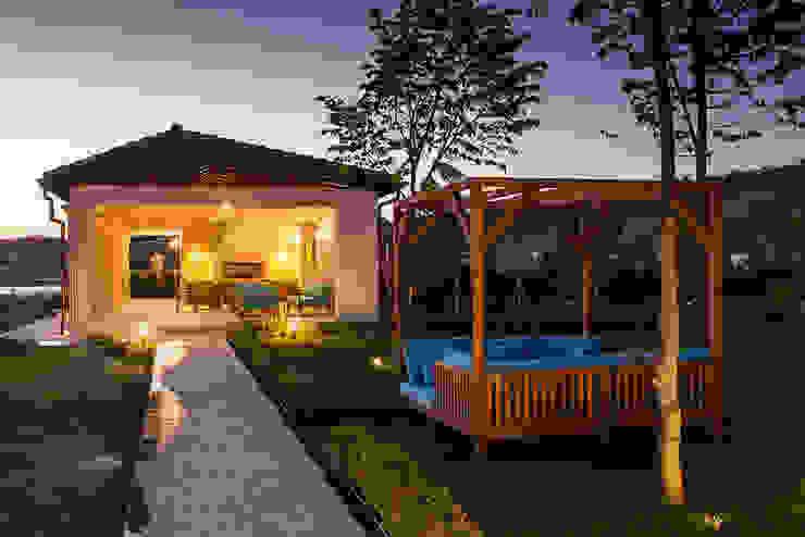 Дом в Одесской области Сад в средиземноморском стиле от kvartalstudio Средиземноморский