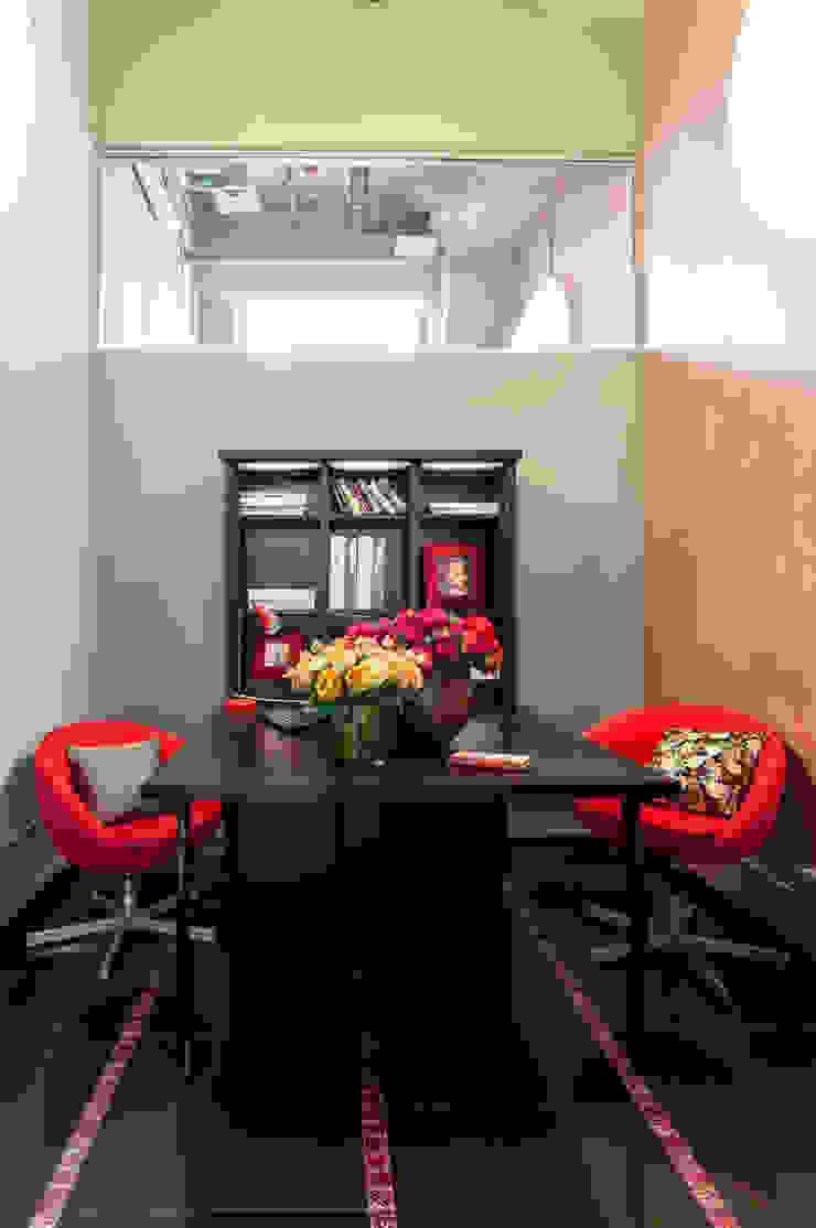 Офисно-выставочное пространство. Шоурум «ARTTEX Сoncept» и «TOSO» в Центре дизайна «Artplay» от Бюро Акимова и Топорова Модерн