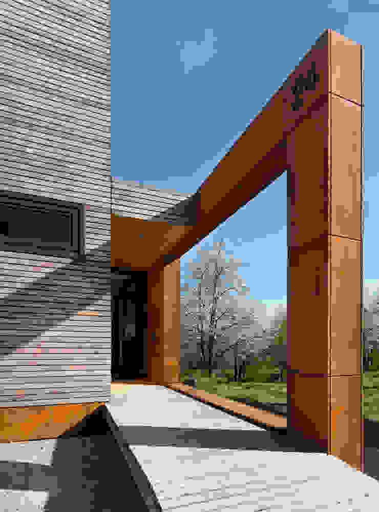 Cherry Blossom House (German Passivhaus) Modern Corridor, Hallway and Staircase by ÜberRaum Architects Modern