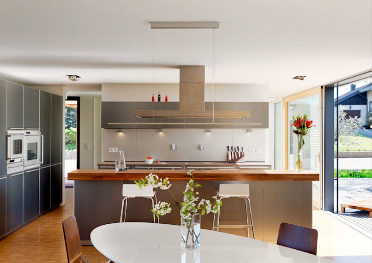 Cherry Blossom House (German Passivhaus) Modern Kitchen by ÜberRaum Architects Modern