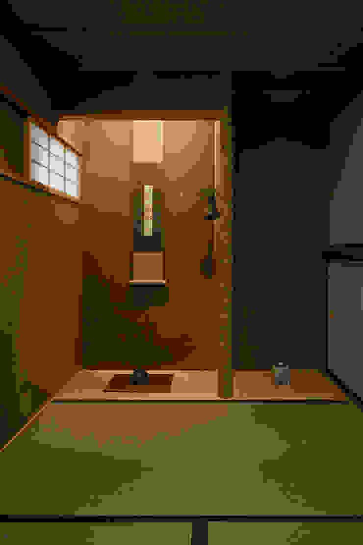 和室 オリジナルデザインの 多目的室 の 竹内建築設計事務所 オリジナル