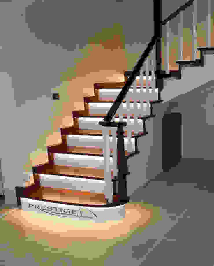 Prestige Ahşap Merdiven Dekorasyon San.Tic.LTD.ŞTİ – Sapelli Led uygulamalı beton üstü ahşap kaplama: modern tarz , Modern Masif Ahşap Rengarenk