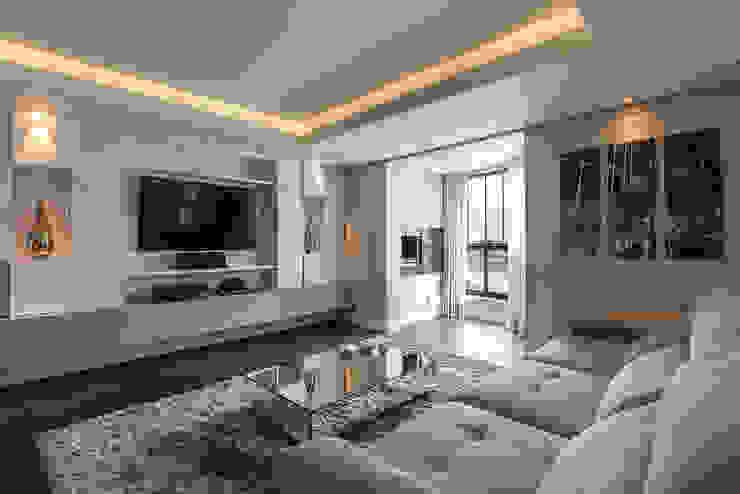 Apartamento em Curitiba – PR. Salas de estar modernas por DOM Arquitetura e Interiores Moderno